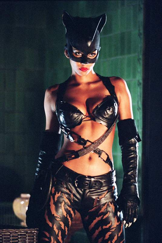 Halle-berry-workout-catwomen.jpg