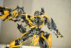 SDCC-2015-Comicave-Studios-Transformers-005.jpg