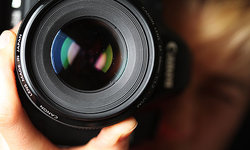Close-up-of-photographer--008.jpg