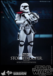 star-wars-first-order-stormtrooper-officer-sixth-scale-hot-toys-902603-02.jpg