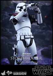 star-wars-first-order-stormtrooper-officer-sixth-scale-hot-toys-902603-07.jpg