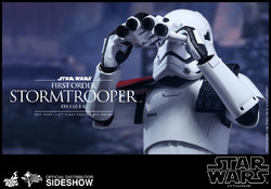 star-wars-first-order-stormtrooper-officer-sixth-scale-hot-toys-902603-08.jpg