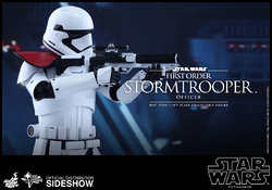 star-wars-first-order-stormtrooper-officer-sixth-scale-hot-toys-902603-09.jpg
