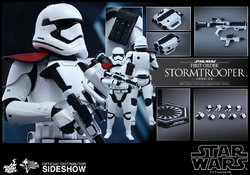 star-wars-first-order-stormtrooper-officer-sixth-scale-hot-toys-902603-11.jpg