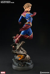 marvel-captain-marvel-premium-format-300454-05.jpg