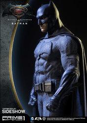 dc-comics-batman-v-superman-batman-half-scale-polystone-statue-prime-1-902663-02.jpg
