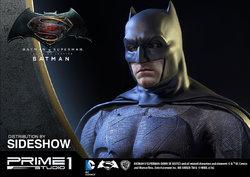 dc-comics-batman-v-superman-batman-half-scale-polystone-statue-prime-1-902663-10.jpg