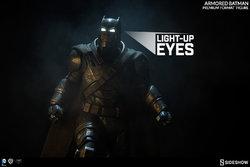 dc-comics-batman-v-superman-armored-batman-premium-format-300401-03.jpg