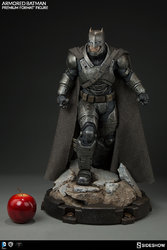 dc-comics-batman-v-superman-armored-batman-premium-format-300401-04.jpg