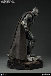 dc-comics-batman-v-superman-armored-batman-premium-format-300401-07.jpg