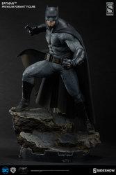 zdc-comics-bvs-dawn-of-justice-batman-premium-format-figure-3003861-03.jpg