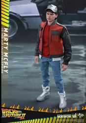 back-to-the-future-2-marty-mcfly-sixth-scale-hot-toys-902499-02.jpg