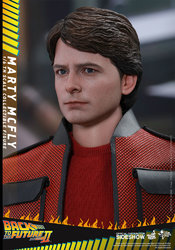 back-to-the-future-2-marty-mcfly-sixth-scale-hot-toys-902499-07.jpg