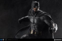 dc-comics-batman-vs-superman-batman-premium-format-300386-02.jpg
