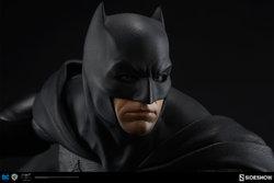dc-comics-batman-vs-superman-batman-premium-format-300386-09.jpg