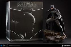 dc-comics-batman-vs-superman-batman-premium-format-300386-00.jpg