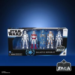 STAR WARS CELEBRATE THE SAGA 3.75-INCH GALACTIC REPUBLIC Figure 5-Pack - in pck.jpg