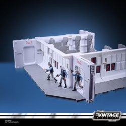 STAR WARS THE VINTAGE COLLECTION 3.75-INCH TANTIVE IV HALLWAY Playset - oop (21).jpg