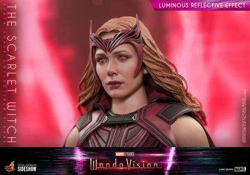 the-scarlet-witch-sixth-scale-figure-by-hot-toys_marvel_gallery_6046e6efccbbe.jpg