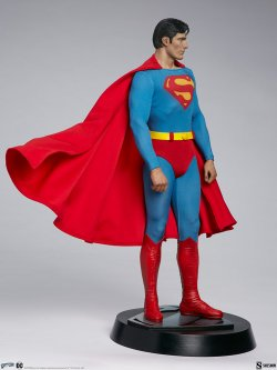 superman-the-movie-premium-format-figure_dc-comics_gallery_60651ff9a60ca.jpg