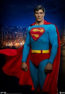 superman-the-movie-premium-format-figure_dc-comics_gallery_60651ff75f158.jpg