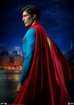 superman-the-movie-premium-format-figure_dc-comics_gallery_60651ffd3549a.jpg