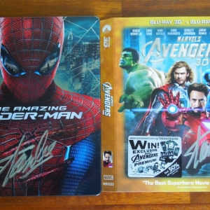 Stan Lee Signed - Spider-Man US + Avengers SG Embossed Slip