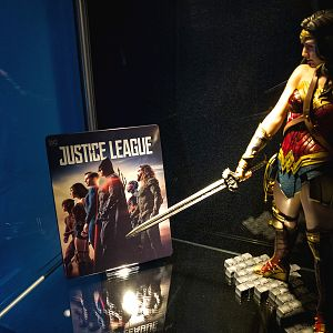 Mantalab Justice League steelbook with Kotobukiya Wonder Woman ARTX on display