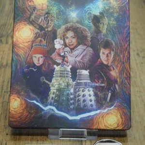 DoctorWho_s5_steelbook_back.jpg