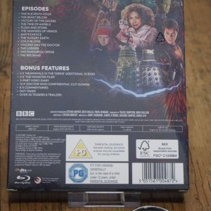 DoctorWho_s5_sealed_back.jpg