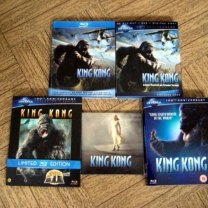 Clockwise from top to bottom: 2-Disc Limited Edition DVD