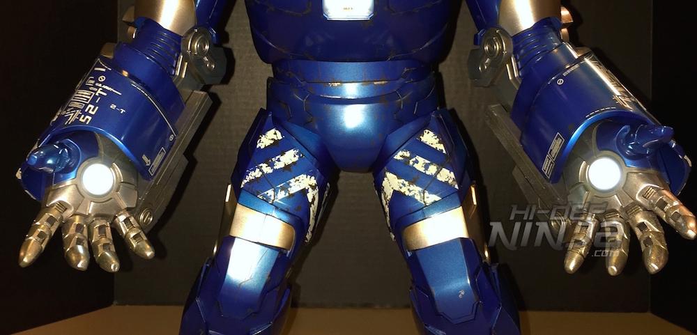 hot toys igor review 2015 hands 01