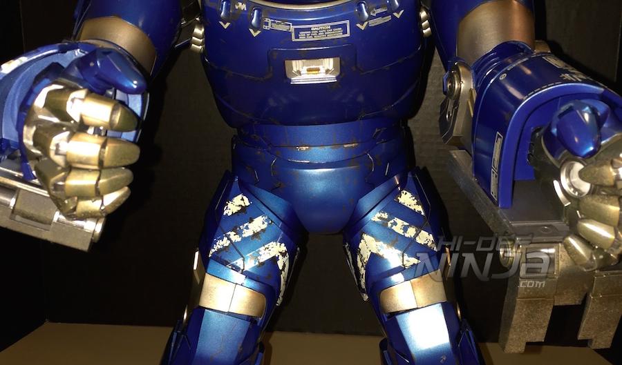 hot toys igor review 2015 hands 03