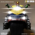 mezco-one12-dredd-lawgiver-nycc-exclusive-2016-05