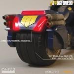 mezco-one12-dredd-lawgiver-nycc-exclusive-2016-07