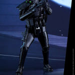 star-wars-rogue-one-death-trooper-specialist-sixth-scale-hot-toys-902842-03