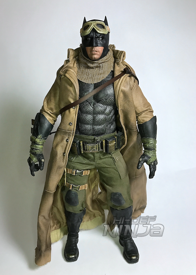 knightmare-batman-hot-toys-sixth-scale-review-2016-34