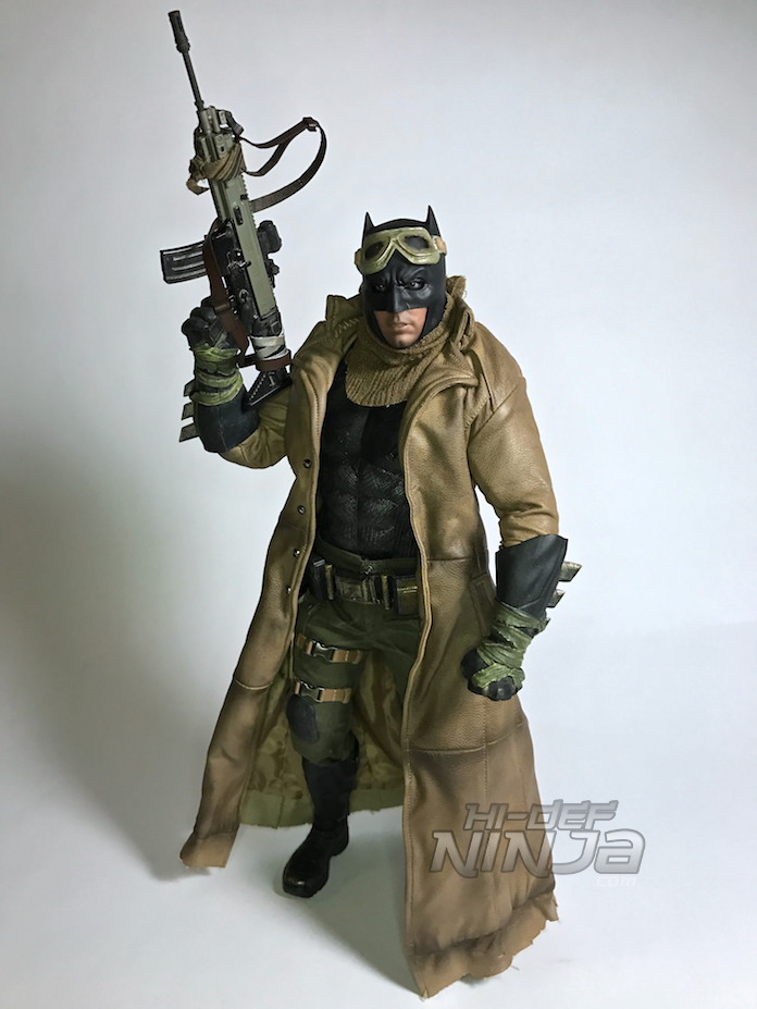 knightmare-batman-hot-toys-sixth-scale-review-2016-35