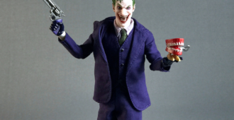 the joker-one12 mezco review-2017-25