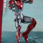 marvel-spider-man-homecoming-iron-man-mark-xlvii-sixth-scale-hot-toys-903079-02