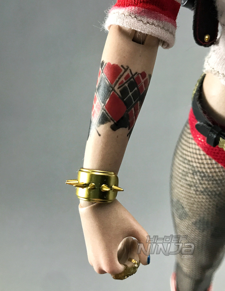 A Review Of Hot Toys Harley Quinn 16 Figure From Suicide Squad Hi